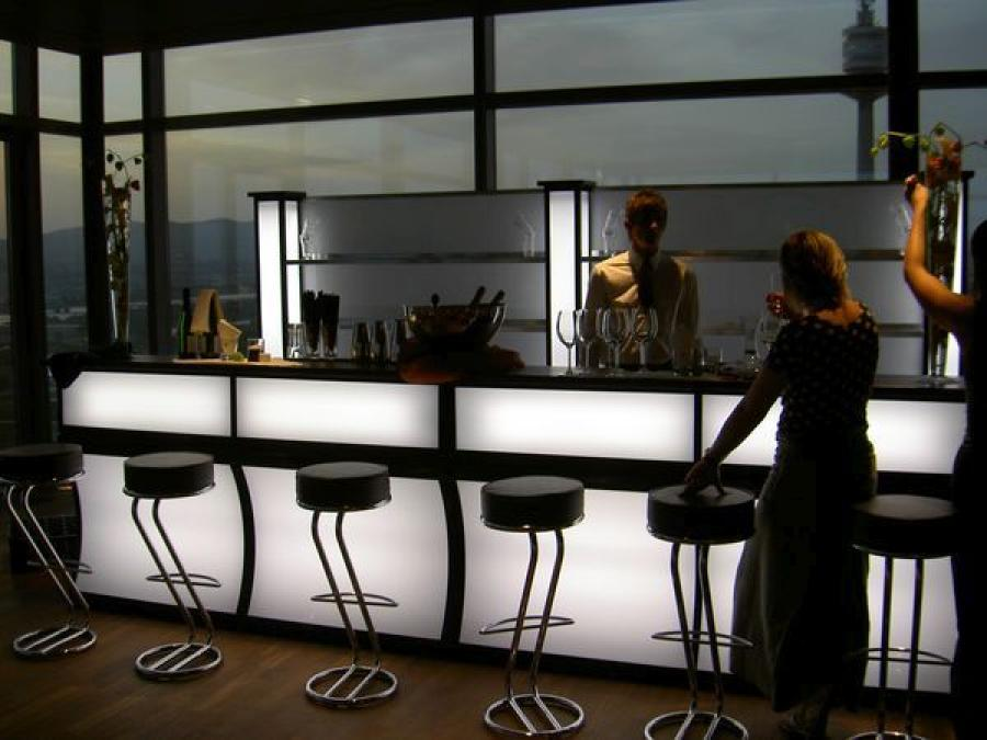 bar mit led beleuchtung und plexifront 2 lfm ohne gl serregal. Black Bedroom Furniture Sets. Home Design Ideas